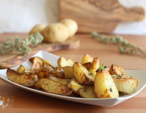 Patate fritte nella friggitrice ad aria