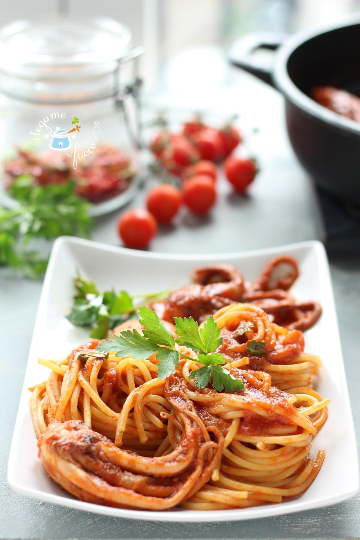 spaghetti con moscardini piccanti
