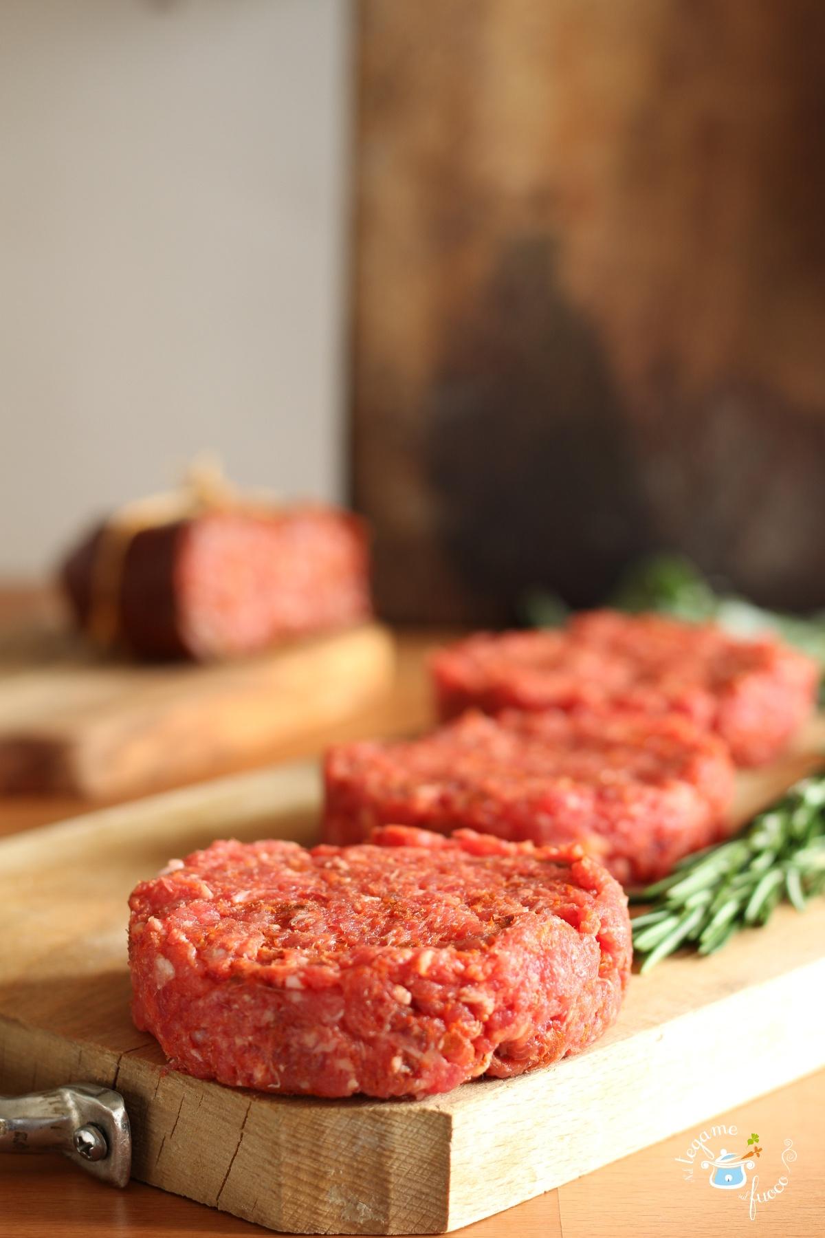 come fare in casa gli hamburger alla 'nduja calabrese