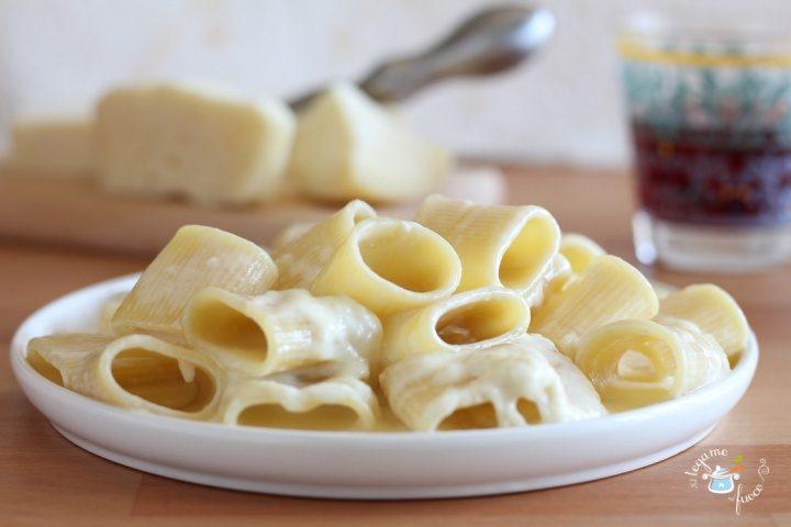 ricetta paccheri ai 4 formaggi