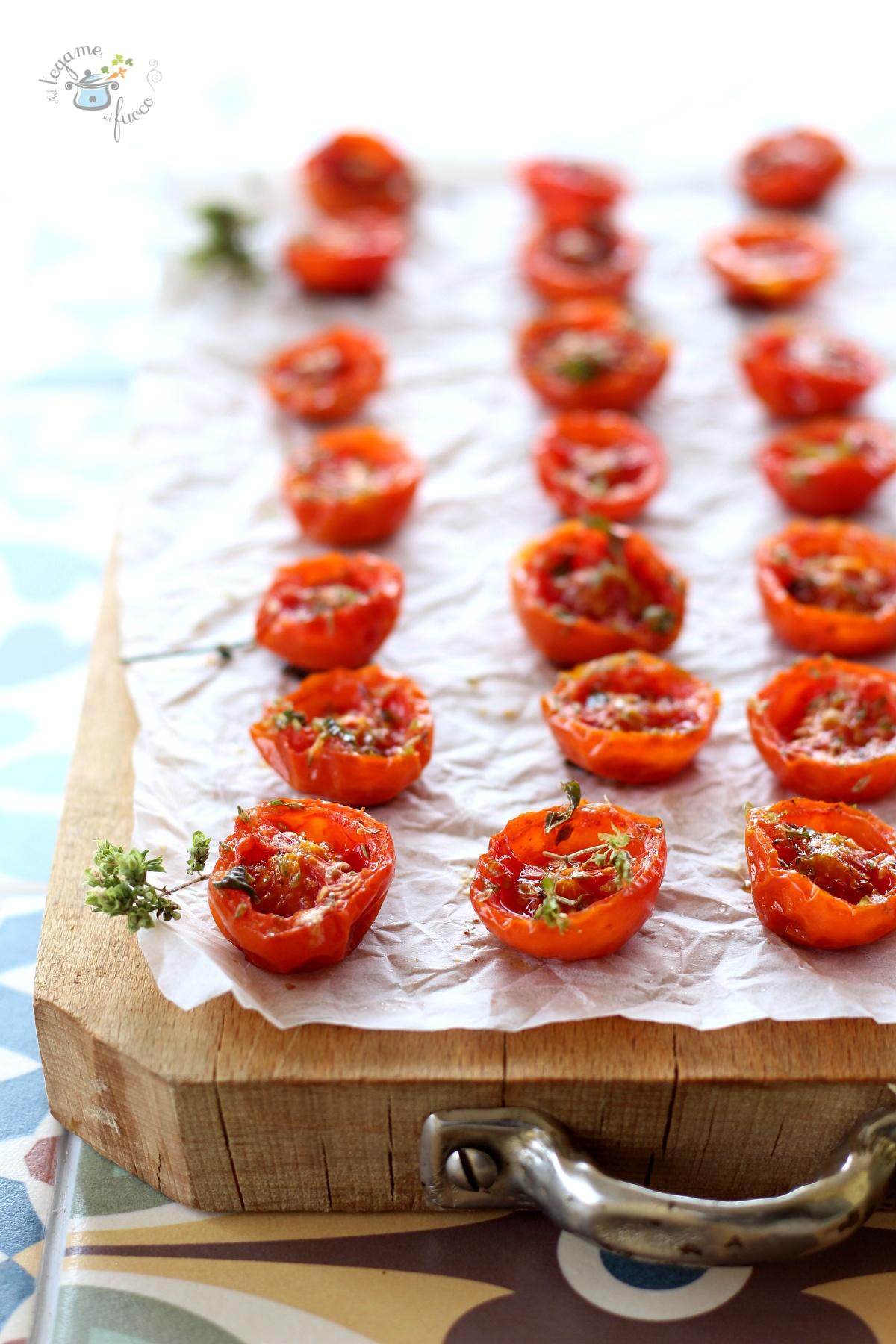 come fare i pomodorini confit al microonde