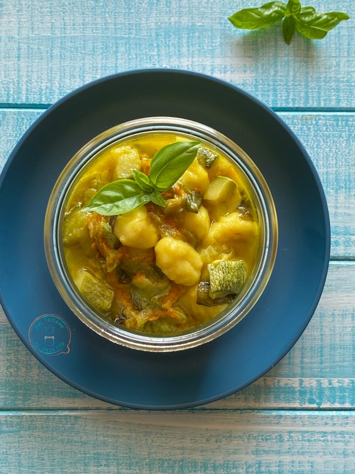 gnocchi con zucchine e fiori di zucca in vasocottura