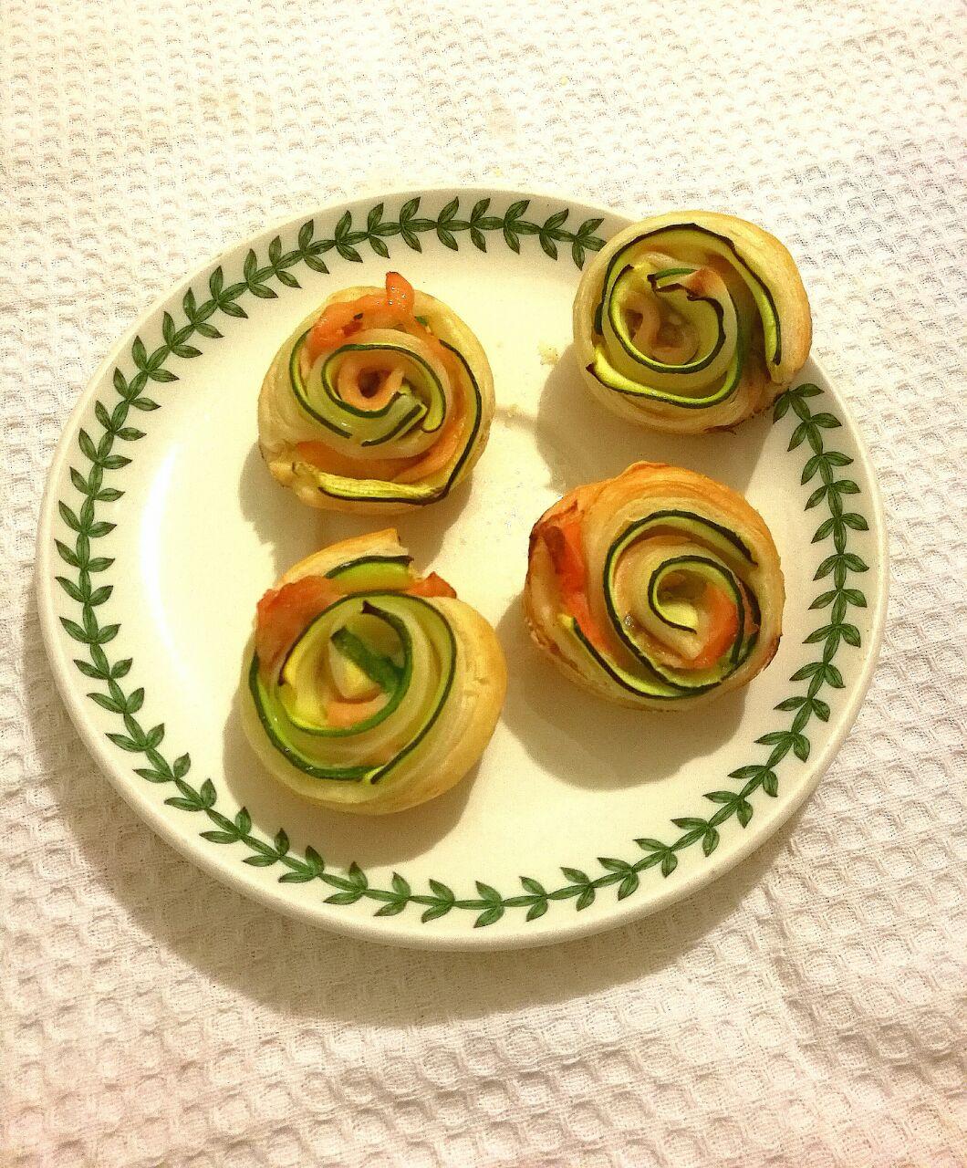 Rose di salmone e zucchine
