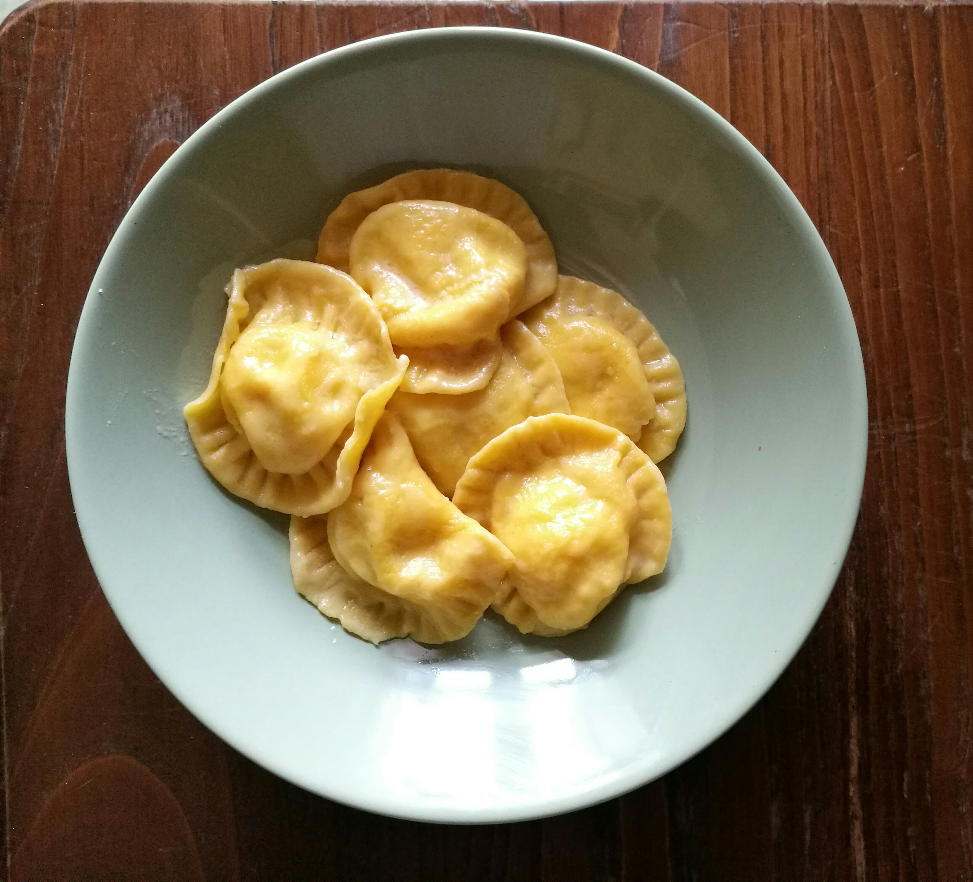 Ravioli di patate e pancetta croccante