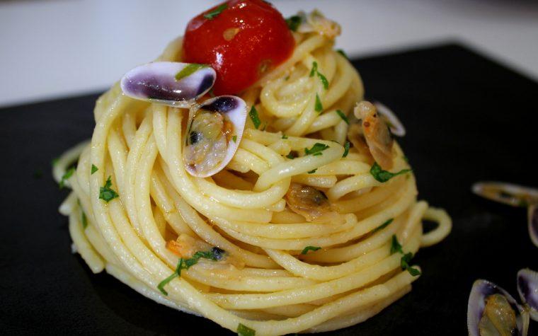 Spaghetti con telline all'arancia