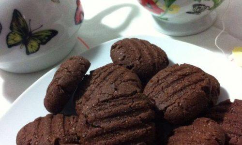 Biscotti al cacao con farine di mandorle e…ceci!!