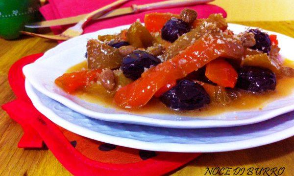 Peperoni con capperi e olive nere