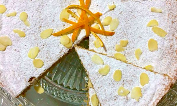 Torta di pane e mandorle all'arancia