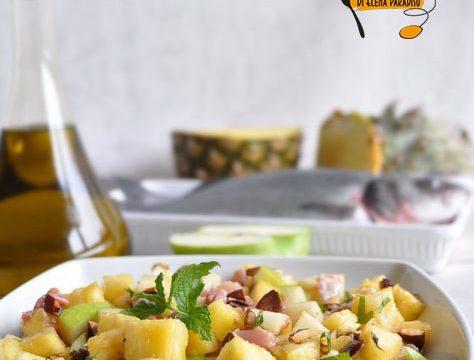Insalata di ananas e mela verde per carni e pesce