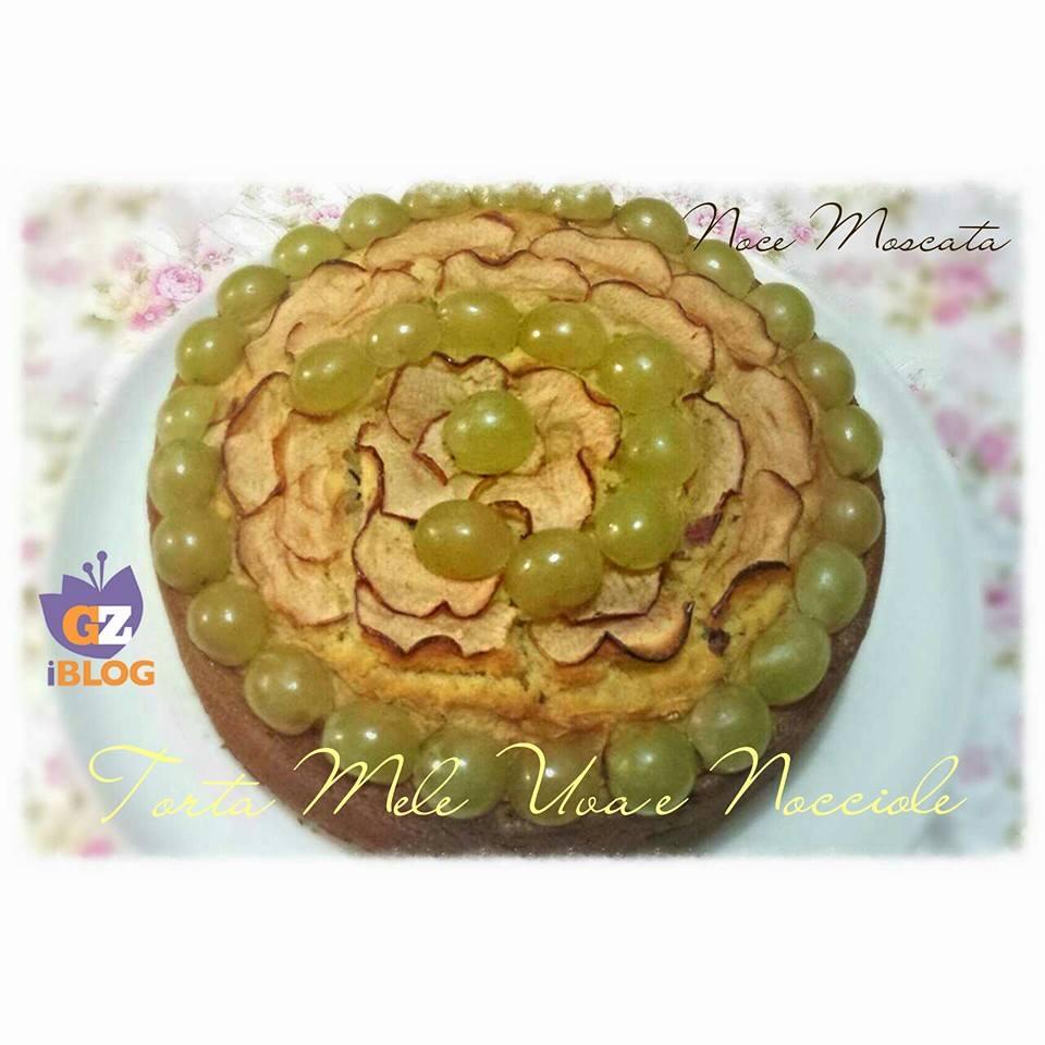Torta Mele Uva e Nocciole