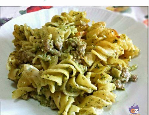 Pasta al forno broccoli e salsiccia