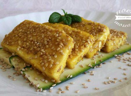 Tofu croccante al sesamo e curry