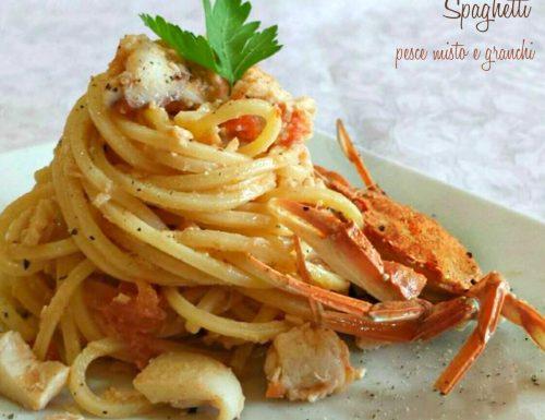 Spaghetti pesce misto e granchi