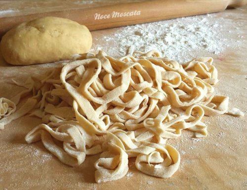 Fettuccine fatte in casa ricetta della nonna