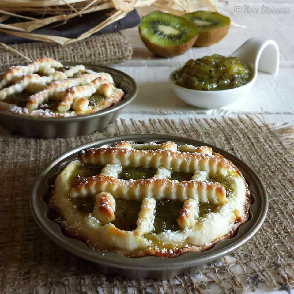 Crostatine al kiwi frolla friabile e confettura golosa for Secondi piatti romani