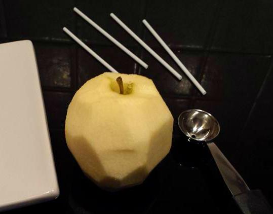 Lollipop di mela caramellata
