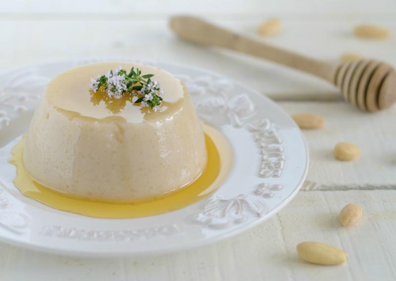 Biancomangiare al latte di mandorla fresco e delicato for Secondi piatti romani
