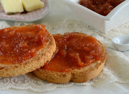 Marmellata di arance rosse con miele e paprika dolce