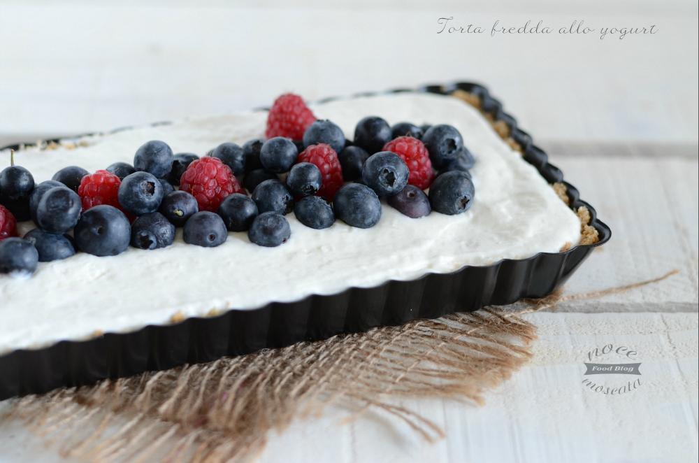 Torta fredda allo yogurt e frutti di bosco