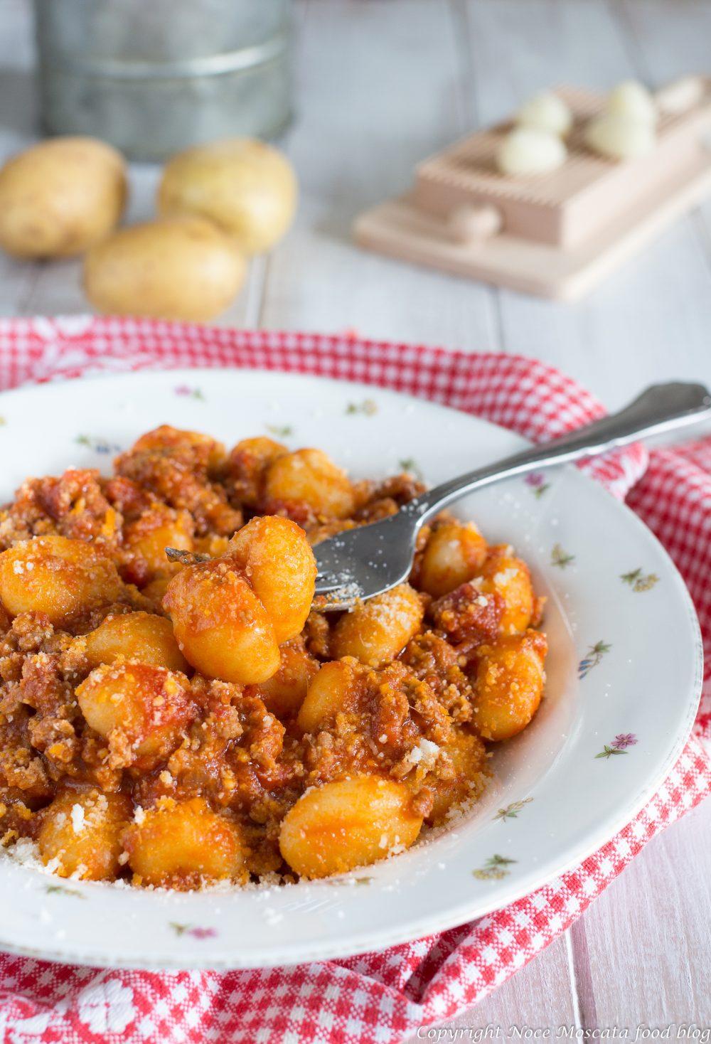 Gnocchi di patate al ragù di carne