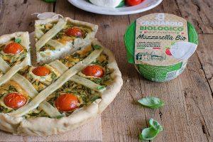 Crostata di farro con pomodorini e mozzarella