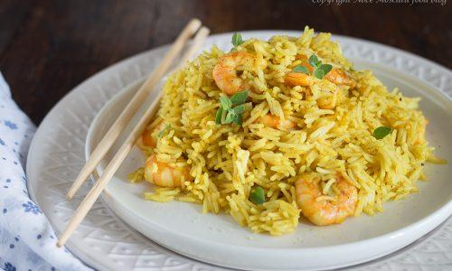 Riso basmati al curry con gamberi