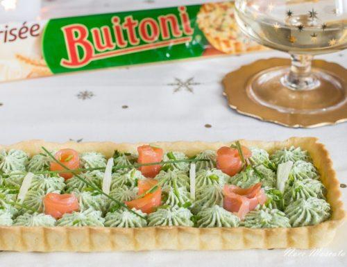 Crostata con mousse di robiola alla rucola e rose di salmone affumicato