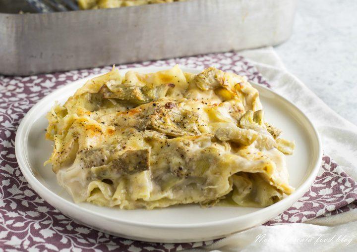 Lasagna con carciofi e besciamella al forno
