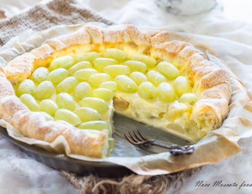 Torta di sfoglia uva e crema