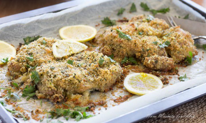 Sovracosce di pollo al forno con pangrattato e limone