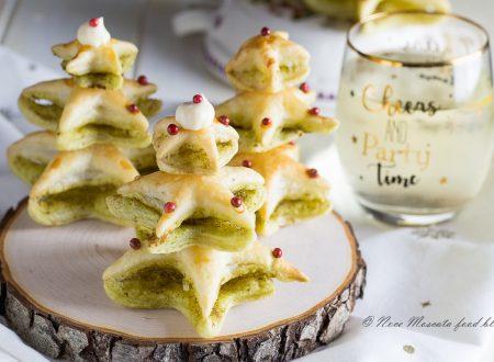 Alberelli natalizi di pasta sfoglia