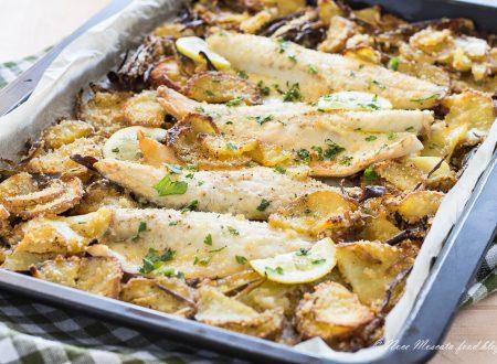 Filetti di branzino al forno con patate e carciofi