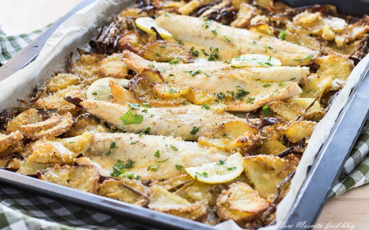 Filetti di pesce al forno con patate e carciofi