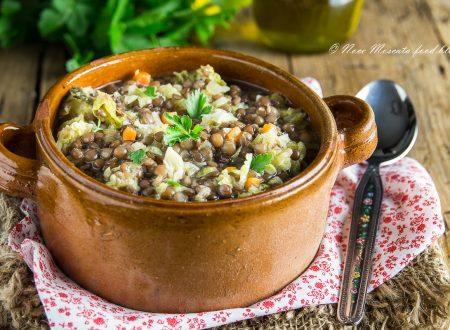 Zuppa di verza e lenticchie