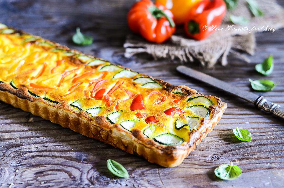 Torta rustica con zucchine e peperoni
