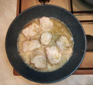 Filetto di maiale alla grappa con pere caramellate