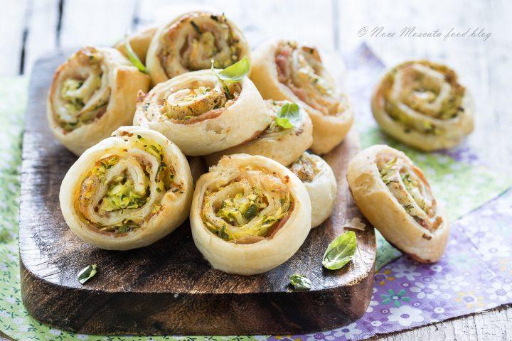 Girelle di sfoglia con zucchine e prosciutto cotto