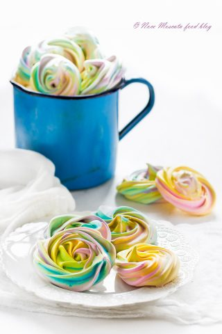 Meringhe colorate rainbow