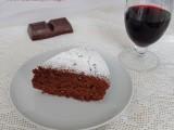 Torta al cioccolato e vino rosso