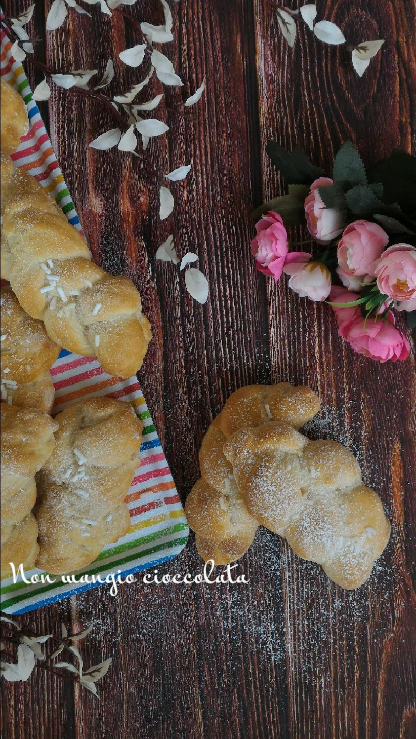 Maritozzi baresi (ricetta senza uova)