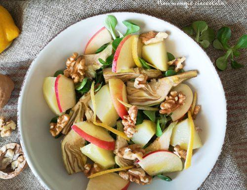 Insalata di valeriana con carciofi, patate, noci e mela