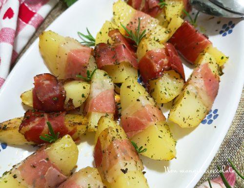 Spicchi di patate allo speck ed erbe aromatiche