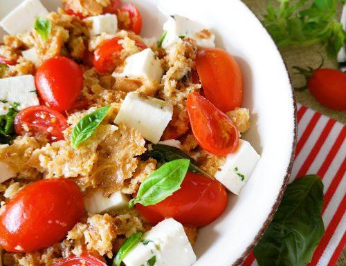 Cialda ai pomodorini, basilico e primo sale