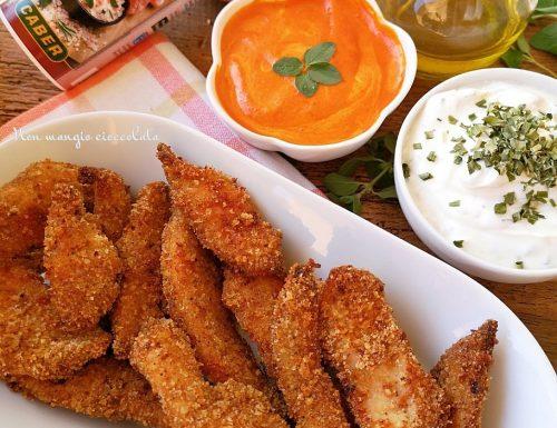 Straccetti di pollo aromatizzati con salse