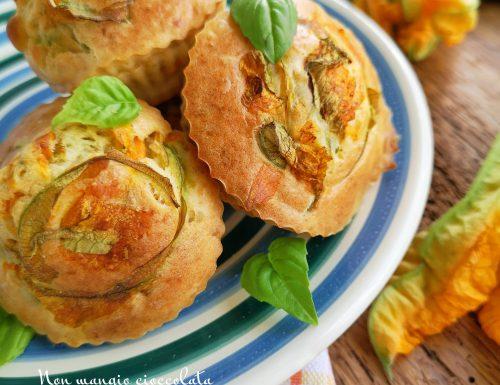 Mini muffin ai fiori di zucca e ricotta salata