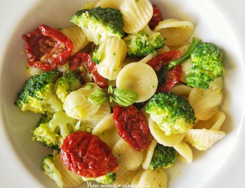 Orecchiette con broccoletti e pomodori secchi