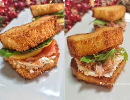 Sandwich di pandoro al salmone e al tonno