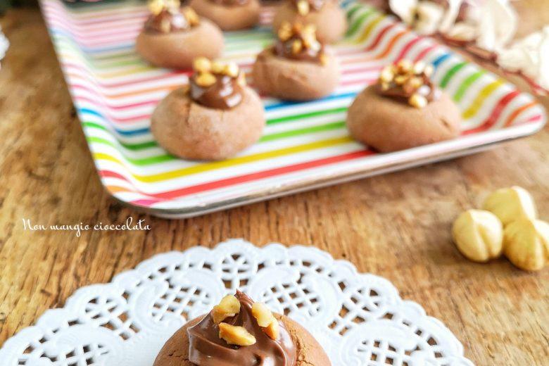 Biscottini alla Nutella con granella di nocciole