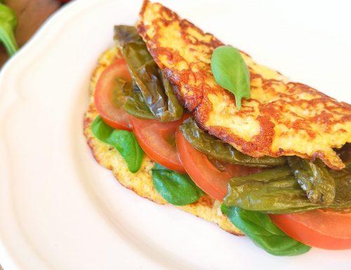 Omelette con friggitelli, pomodori e spinacini
