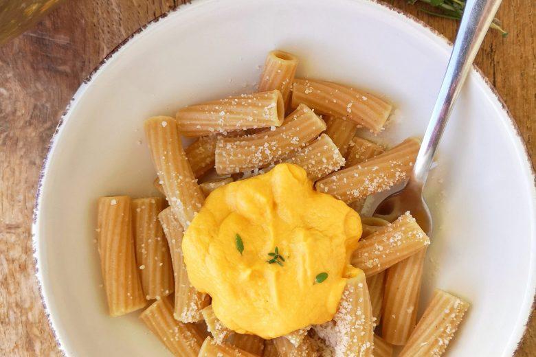 Pasta integrale con crema di zucca alla robiola